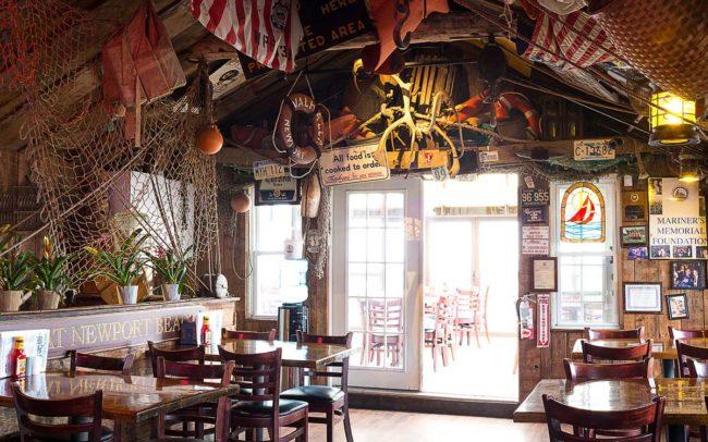 Flo's Clam Shack, seafood, restaurant, Rhode Island, seafood restaurant, interior